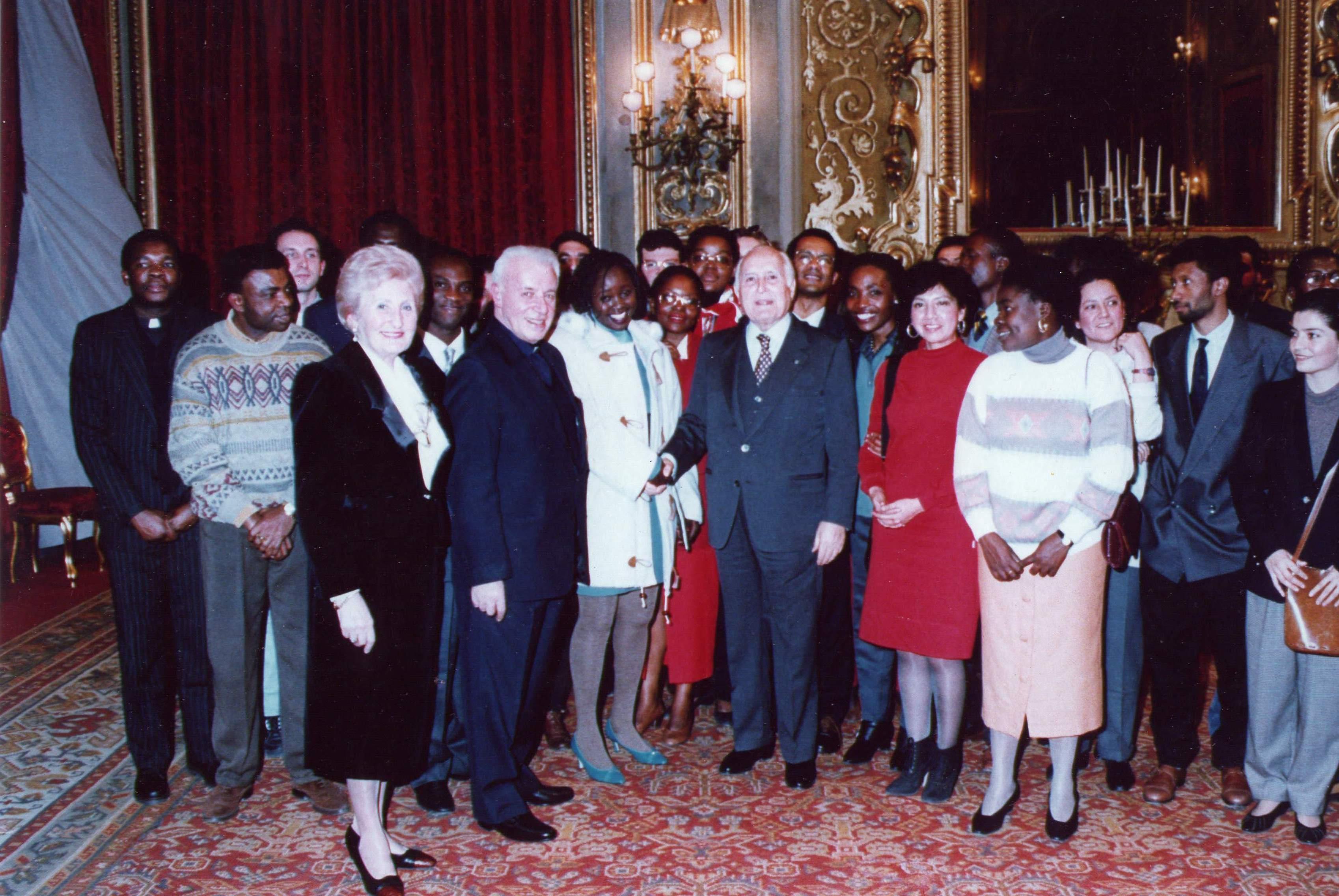 Rose Monique e il Presidente della Repubblica Scalfaro 1